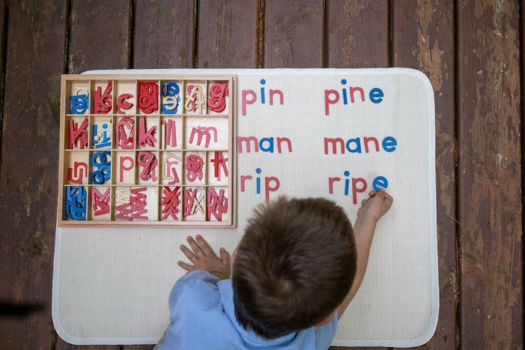 Montessori Early Readers Movable Alphabet
